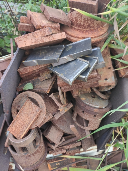 Main image of the offer Single-species tool steel ČSN 19436 - piece scrap and chips